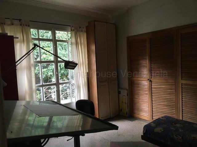 Apartamento Distrito Metropolitano>Caracas>San Bernardino - Venta:37.000 Precio Referencial - codigo: 22-1774