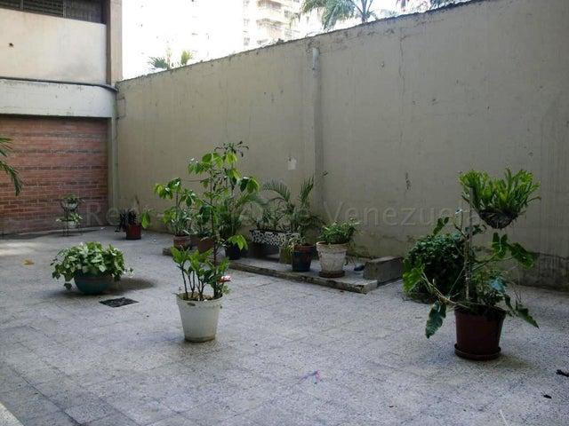Apartamento Distrito Metropolitano>Caracas>San Juan - Venta:24.000 Precio Referencial - codigo: 22-1911