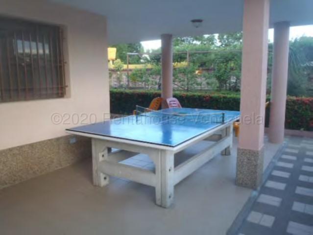 Casa Miranda>Higuerote>Ciudad Balneario Higuerote - Venta:140.000 Precio Referencial - codigo: 22-2328