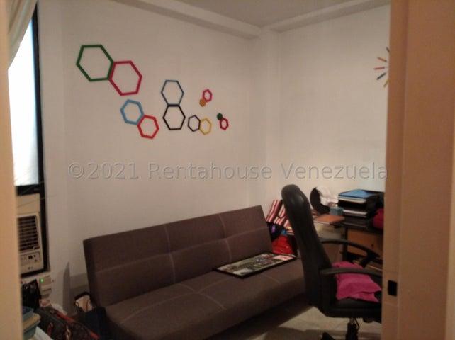 Apartamento Carabobo>Guacara>Ciudad Alianza - Venta:55.000 Precio Referencial - codigo: 22-2686
