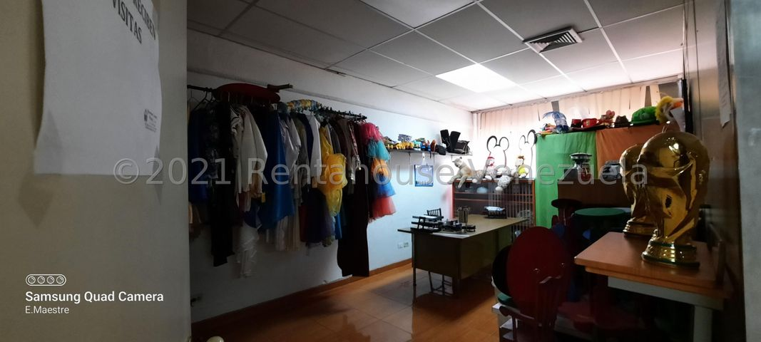 Oficina Bolivar>Puerto Ordaz>Alta Vista Norte - Venta:20.000 Precio Referencial - codigo: 22-2837