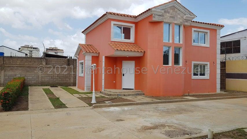 Casa Falcon>Coro>Centro - Venta:40.000 Precio Referencial - codigo: 22-2942