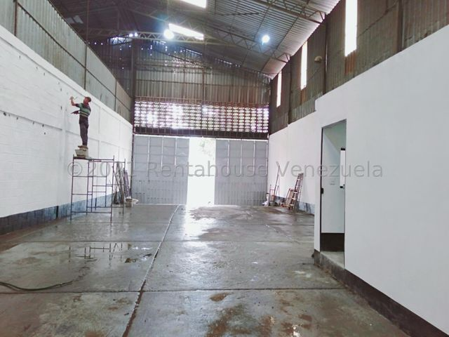 Galpon - Deposito Distrito Metropolitano>Caracas>La Yaguara - Alquiler:1.500 Precio Referencial - codigo: 22-2709