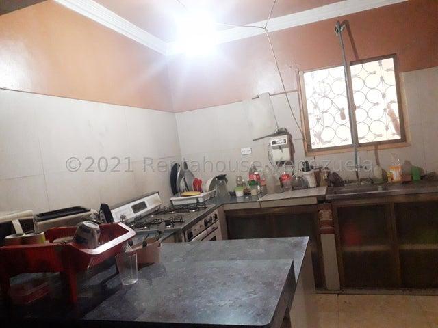 Casa Falcon>Coro>Centro - Venta:53.000 Precio Referencial - codigo: 22-3047