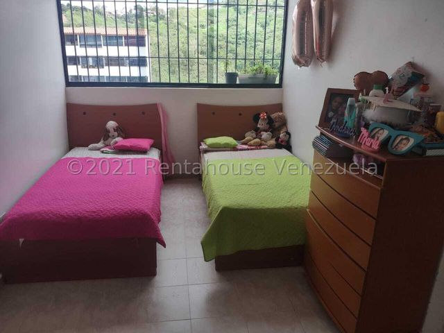 Apartamento Miranda>Los Teques>El Solar de la Quinta - Venta:19.900 Precio Referencial - codigo: 22-3770