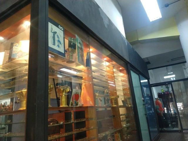Local Comercial Distrito Metropolitano>Caracas>Parroquia Catedral - Venta:12.000 Precio Referencial - codigo: 22-3834