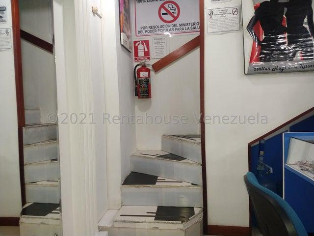 Local Comercial Distrito Metropolitano>Caracas>Parroquia Catedral - Venta:30.000 Precio Referencial - codigo: 22-3869