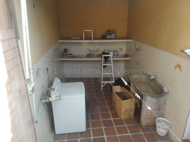 Casa Lara>Barquisimeto>Centro - Venta:35.000 Precio Referencial - codigo: 22-3879
