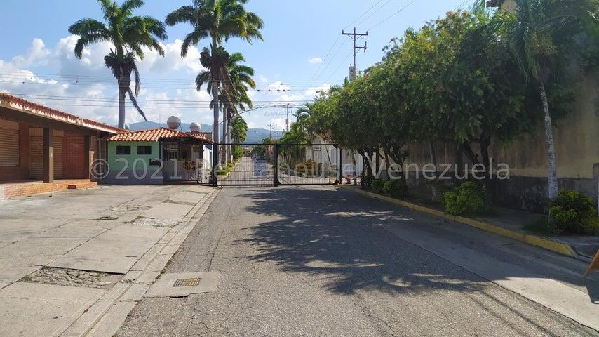 Casa Lara>Cabudare>Atapaima - Venta:20.000 Precio Referencial - codigo: 22-3978
