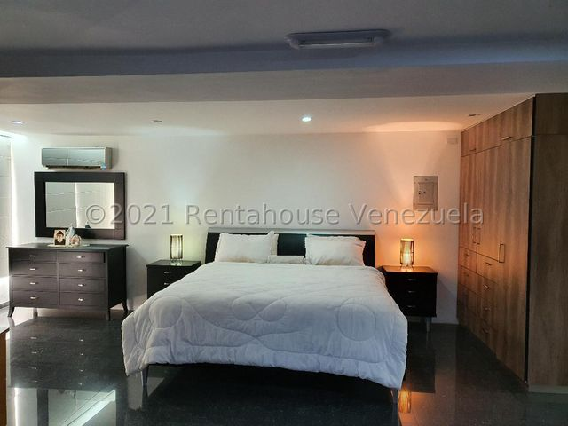 Apartamento Distrito Metropolitano>Caracas>Altamira - Venta:350.000 Precio Referencial - codigo: 22-4196