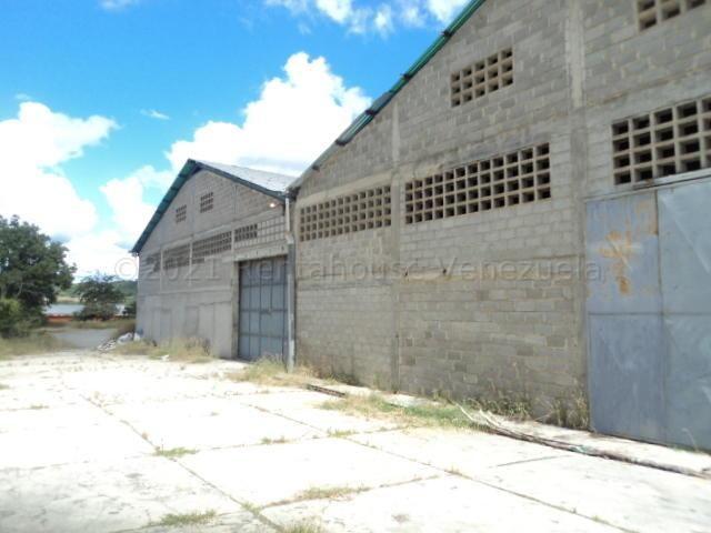 Galpon - Deposito Miranda>Charallave>Los Samanes - Alquiler:400 Precio Referencial - codigo: 22-4335