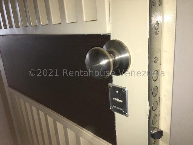 Apartamento Distrito Metropolitano>Caracas>El Encantado - Venta:27.000 Precio Referencial - codigo: 22-4428