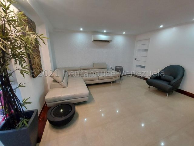 Apartamento Distrito Metropolitano>Caracas>La Bonita - Venta:160.000 Precio Referencial - codigo: 22-4660