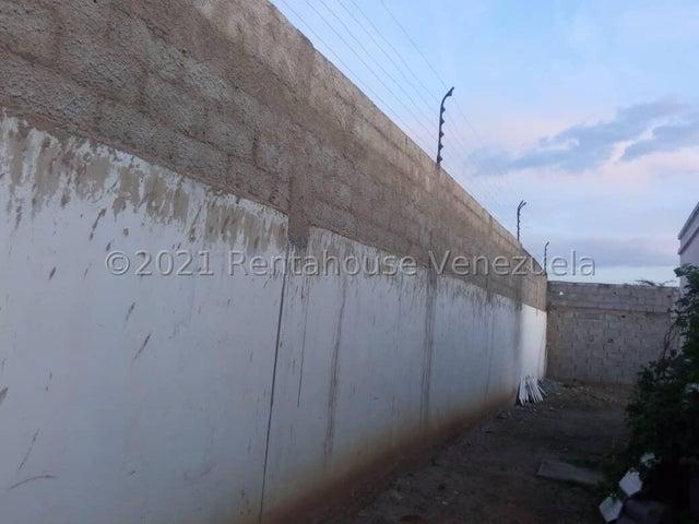 Casa Lara>Cabudare>La Montanita - Venta:13.000 Precio Referencial - codigo: 22-4511