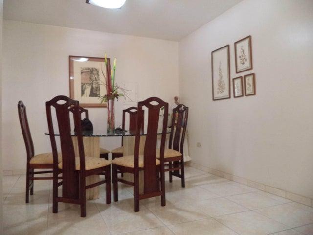 Casa Falcon>Coro>Centro - Venta:55.000 Precio Referencial - codigo: 22-4510
