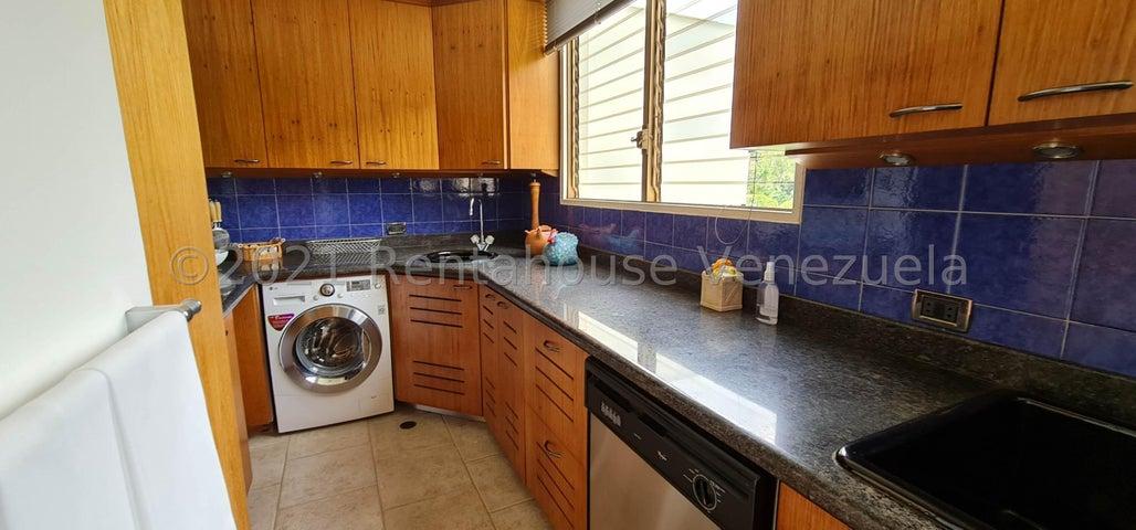 Apartamento Distrito Metropolitano>Caracas>Los Naranjos del Cafetal - Venta:150.000 Precio Referencial - codigo: 22-4573