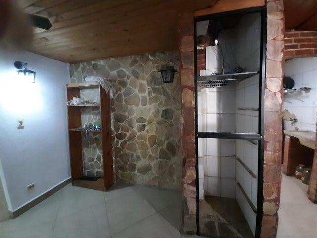 Casa Carabobo>Municipio Naguanagua>Las Quintas - Venta:30.000 Precio Referencial - codigo: 22-4593