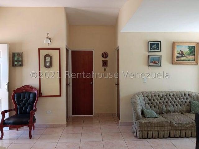 Casa Lara>Barquisimeto>Hacienda Yucatan - Venta:12.600 Precio Referencial - codigo: 22-4608