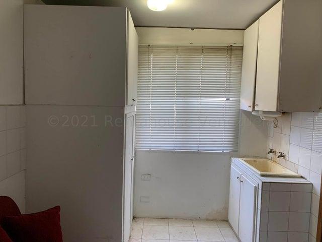 Apartamento Carabobo>Valencia>Los Mangos - Venta:50.000 Precio Referencial - codigo: 22-4599