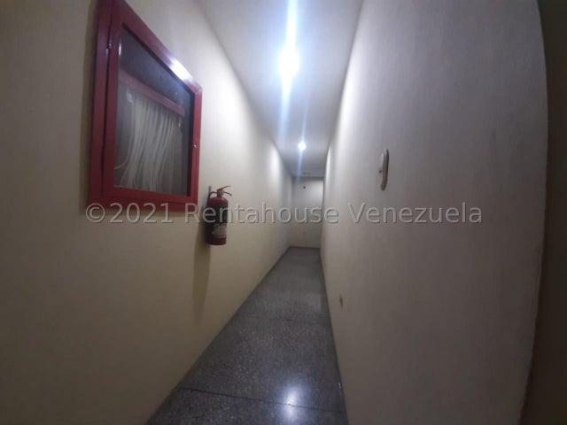 Edificio Lara>Barquisimeto>Centro - Venta:1.300.000 Precio Referencial - codigo: 22-4601