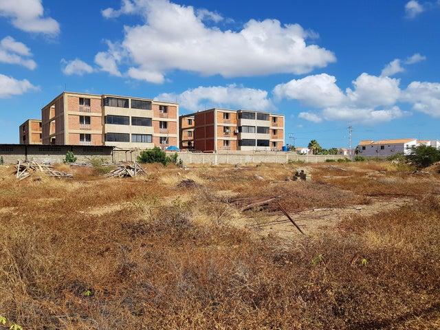Terreno Falcon>Coro>Sector La Floresta - Venta:80.000 Precio Referencial - codigo: 22-4605