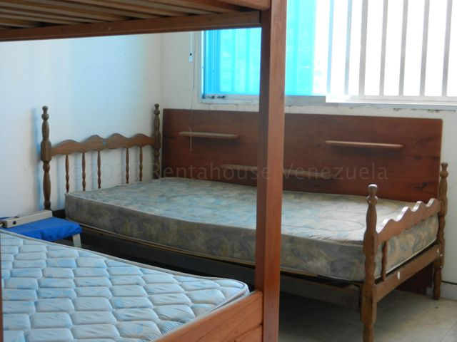Apartamento Vargas>Parroquia Caraballeda>Caribe - Alquiler:350 Precio Referencial - codigo: 22-4629