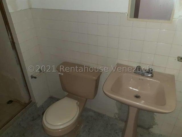 Apartamento Carabobo>San Joaquin>La Pradera - Venta:10.000 Precio Referencial - codigo: 22-4640