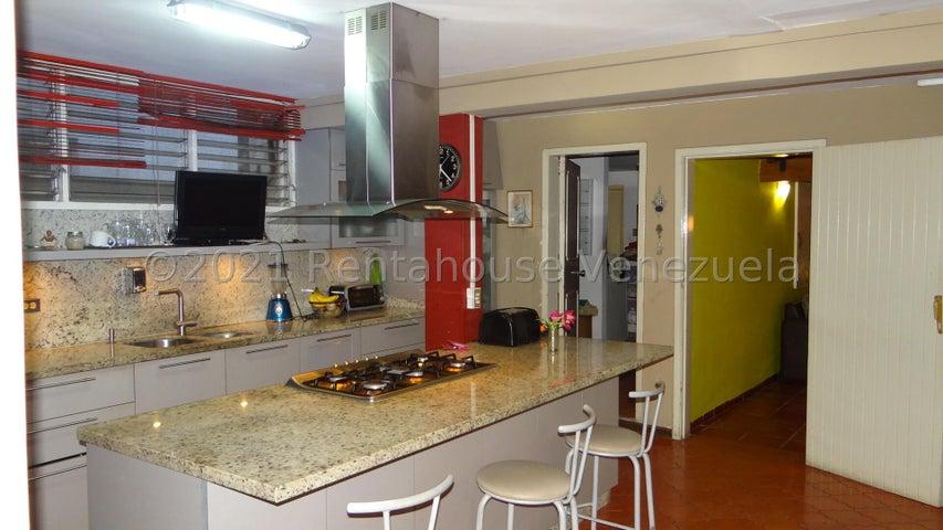 Casa Distrito Metropolitano>Caracas>El Marques - Venta:150.000 Precio Referencial - codigo: 22-4657