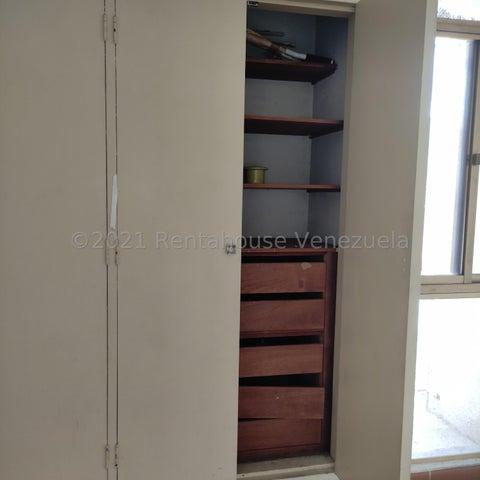 Apartamento Distrito Metropolitano>Caracas>El Paraiso - Venta:32.000 Precio Referencial - codigo: 22-5015