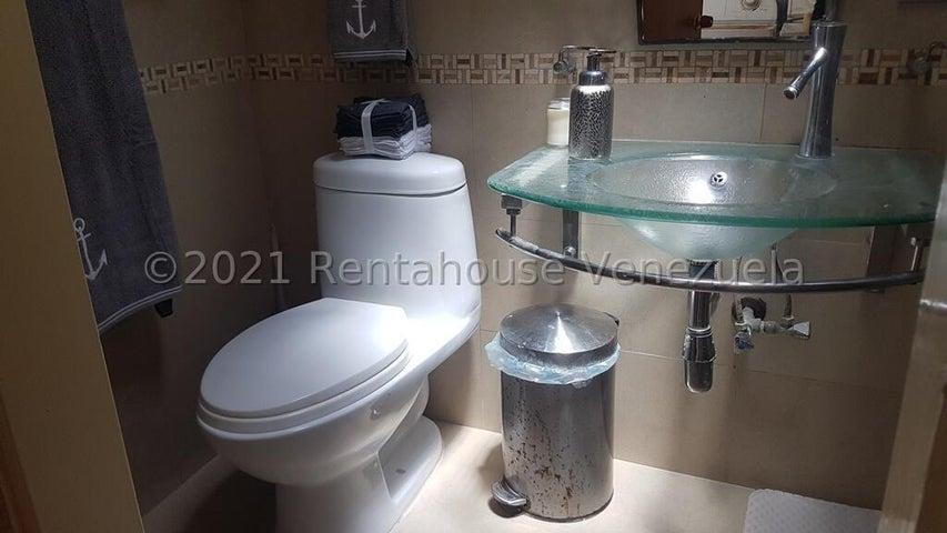 Casa Distrito Metropolitano>Caracas>Los Dos Caminos - Venta:95.000 Precio Referencial - codigo: 22-5197