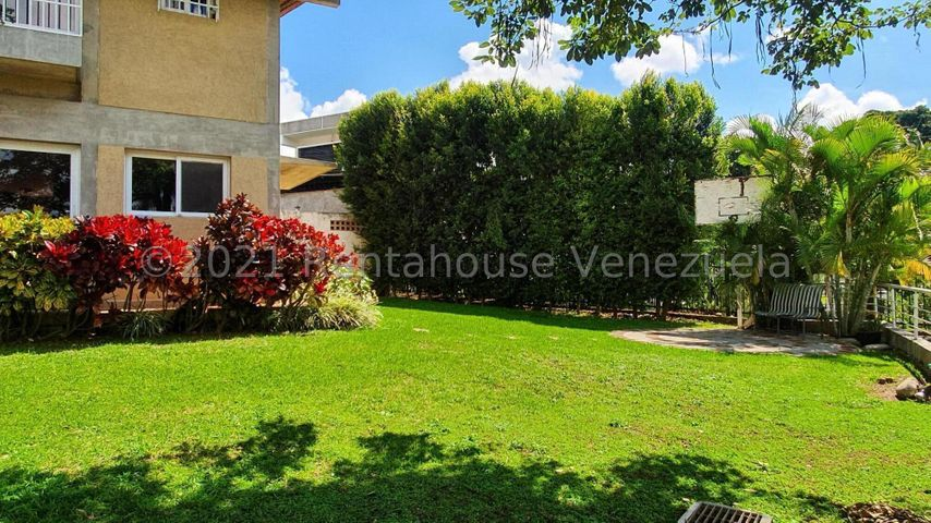 Casa Distrito Metropolitano>Caracas>Cumbres de Curumo - Venta:550.000 Precio Referencial - codigo: 22-4667