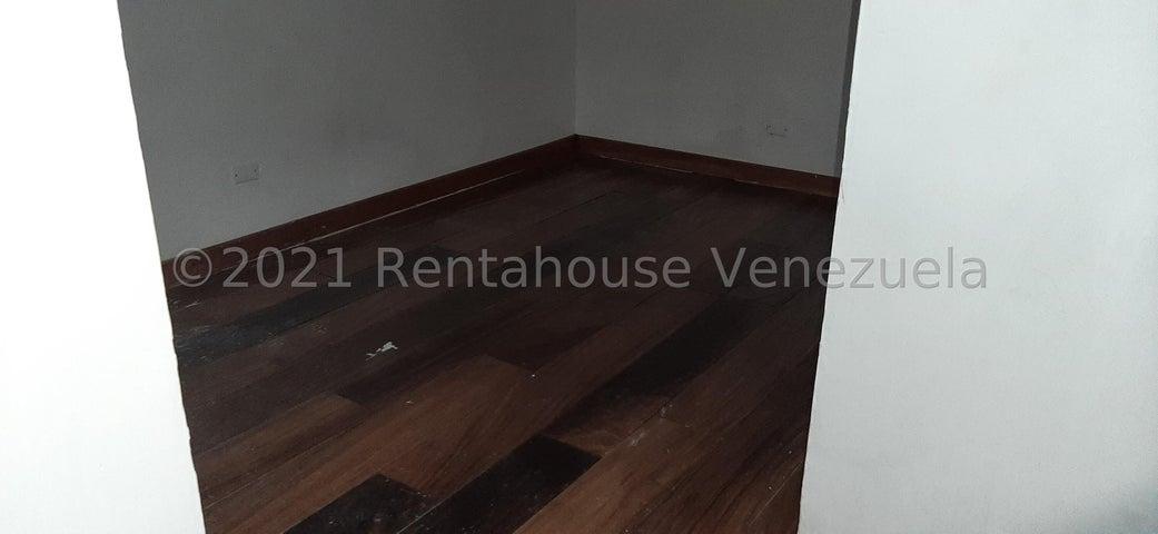 Local Comercial Distrito Metropolitano>Caracas>Lomas de La Trinidad - Alquiler:1.100 Precio Referencial - codigo: 22-7023