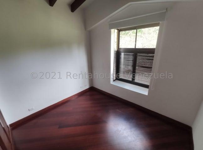 Casa Distrito Metropolitano>Caracas>La Lagunita Country Club - Venta:385.000 Precio Referencial - codigo: 22-7248
