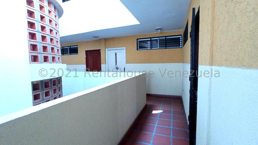 Apartamento Zulia>Maracaibo>Avenida Goajira - Alquiler:160 Precio Referencial - codigo: 22-7279