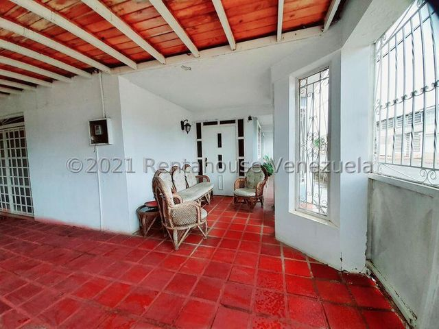 Casa Falcon>Coro>Sector Independencia - Venta:40.000 Precio Referencial - codigo: 22-7332