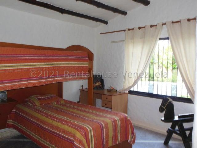 Casa Distrito Metropolitano>Caracas>Lomas del Halcon - Venta:250.000 Precio Referencial - codigo: 22-7515