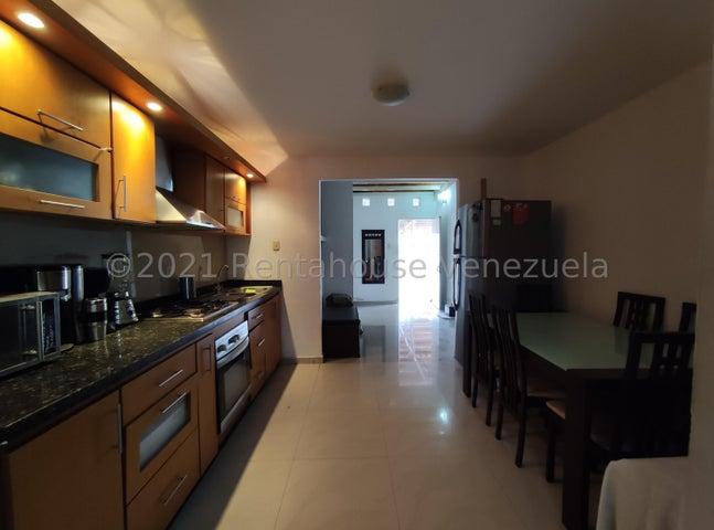 Casa Lara>Cabudare>Tarabana Plaza - Venta:33.000 Precio Referencial - codigo: 22-7459