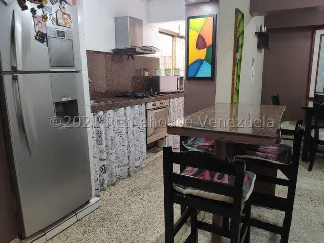 Apartamento Miranda>Los Teques>Los Teques - Venta:16.000 Precio Referencial - codigo: 22-7463