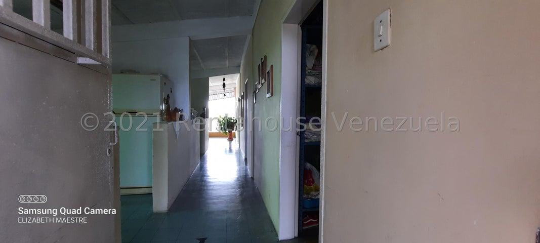 Casa Bolivar>San Felix>Coronel Francisco Avendaño - Venta:18.000 Precio Referencial - codigo: 22-7469