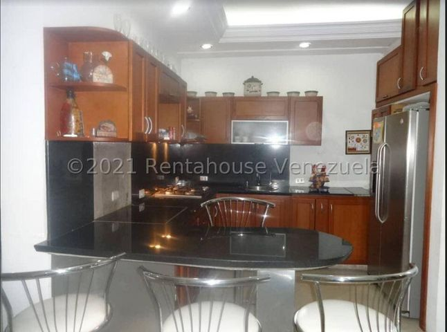 Casa Carabobo>Municipio San Diego>Los Jarales - Venta:40.000 Precio Referencial - codigo: 22-7474