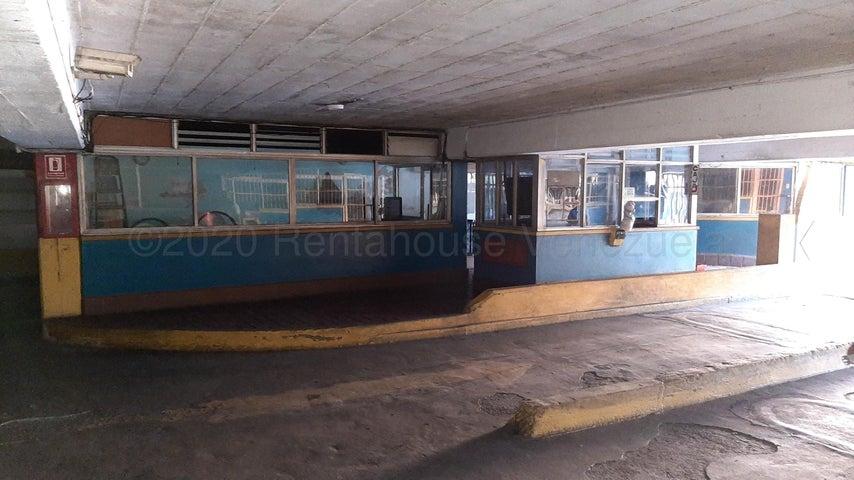 Local Comercial Carabobo>Valencia>Centro - Venta:2.500.000 Precio Referencial - codigo: 22-7473