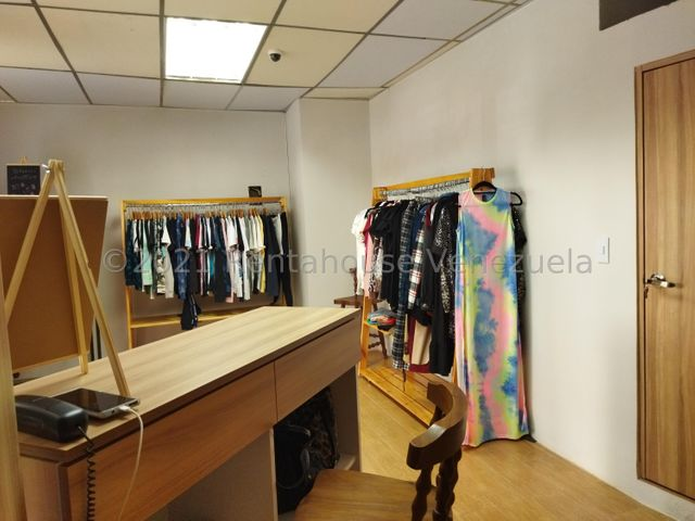 Local Comercial Distrito Metropolitano>Caracas>Colinas de Bello Monte - Alquiler:850 Precio Referencial - codigo: 22-7402