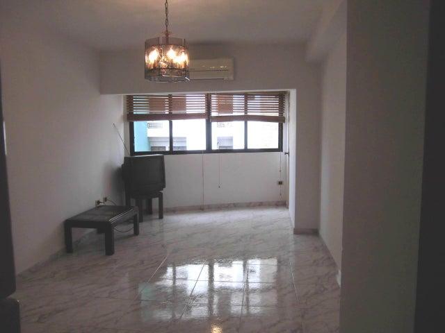 Apartamento Carabobo>Valencia>Valles de Camoruco - Venta:38.000 Precio Referencial - codigo: 22-7490