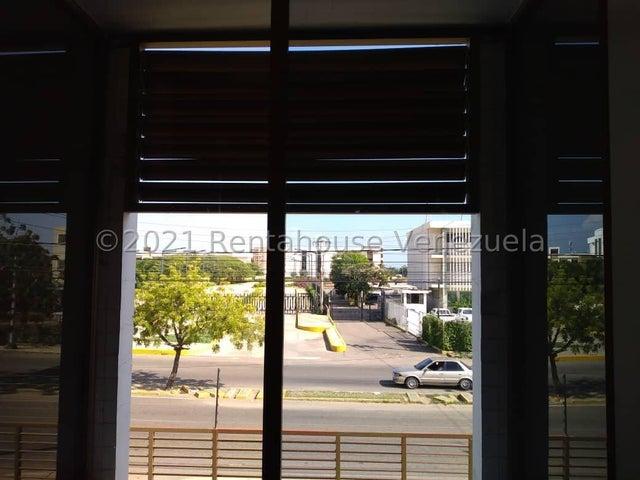 Oficina Zulia>Maracaibo>Avenida El Milagro - Alquiler:70 Precio Referencial - codigo: 22-7500