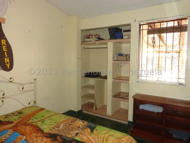Casa Lara>Cabudare>La Puerta - Venta:13.000 Precio Referencial - codigo: 22-7484