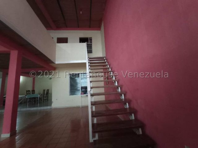 Casa Aragua>Maracay>La Maracaya - Venta:25.000 Precio Referencial - codigo: 22-7509