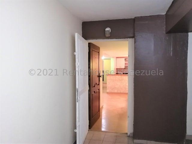 Apartamento Lara>Barquisimeto>Club Hipico Las Trinitarias - Venta:22.500 Precio Referencial - codigo: 22-7517