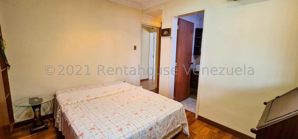 Casa Distrito Metropolitano>Caracas>Macaracuay - Venta:450.000 Precio Referencial - codigo: 22-7519