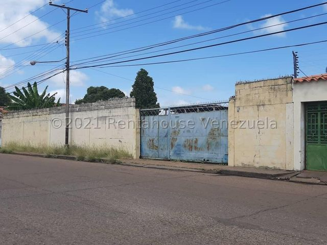 Terreno Guarico>Calabozo>Casco Central - Venta:30.000 Precio Referencial - codigo: 22-7527