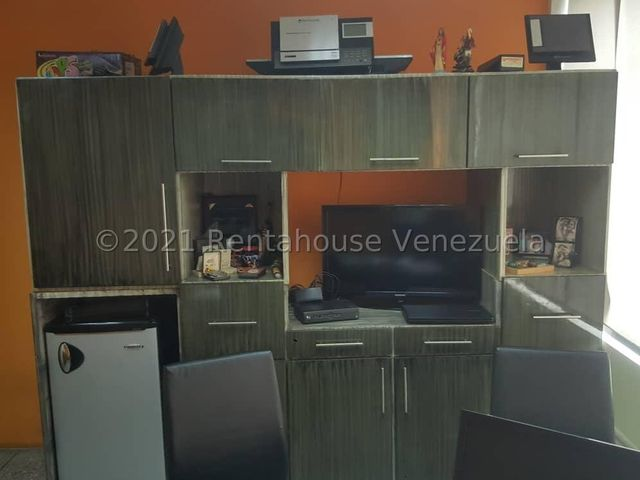 Local Comercial Lara>Barquisimeto>Del Este - Venta:400.000 Precio Referencial - codigo: 22-7528